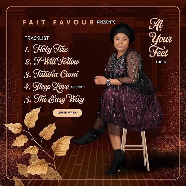 [EP] At Your Feet - Fait Favourr